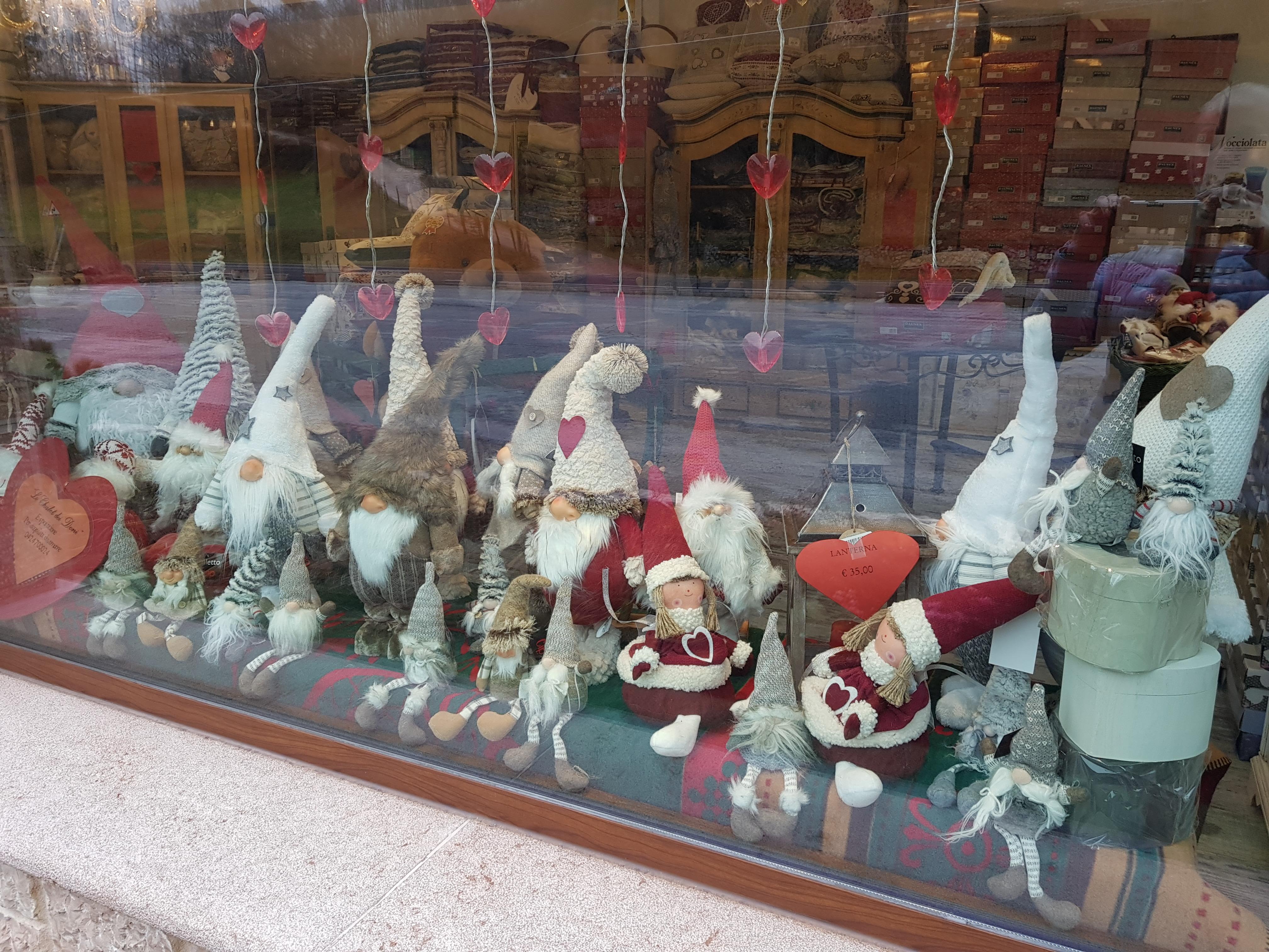Gnometti in vetrina