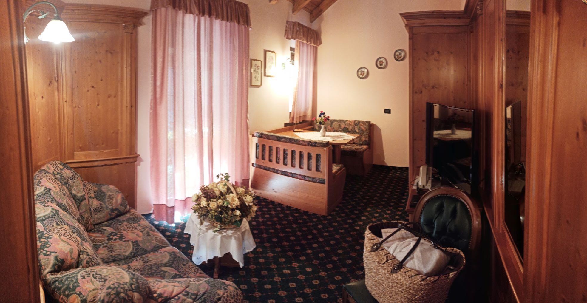 Il salotto e l'accesso diretto al Sottobosco